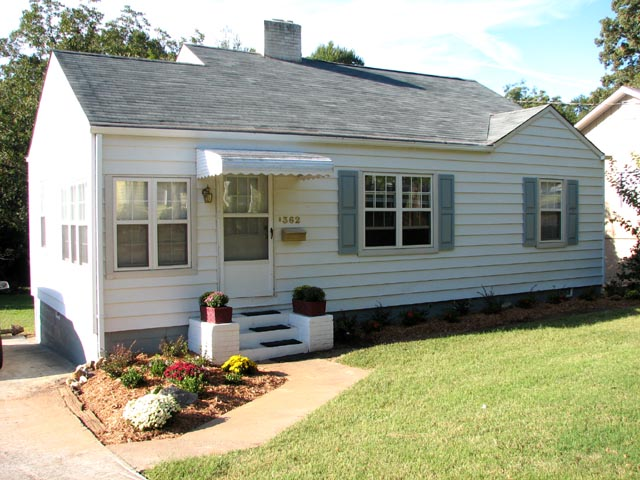 Rental house information for 362 frasier st s e for Compact cottages georgia
